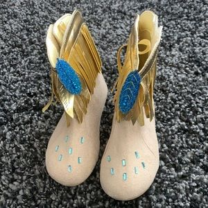 Disney Pocahontas Boots size 9/10